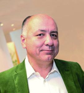 Prof. Dr. Stefan Schreiber ist Direktor der Klinik für Innere Medizin I und des Kompetenzzentrums Inflammation sowie am Institut für Klinische Mikrobiologie an der Christian-Albrechts-Universität zu Kiel tätig. Darüber hinaus ist er bereits seit mehreren Jahren Präsident der Deutschen Gesellschaft für Probiotische Medizin (DePROM).